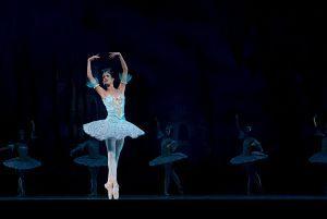 Bailarina sobre el escenario