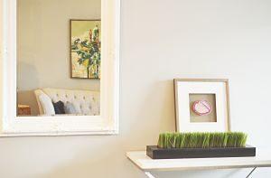 Imagen de un espejo en un apartamento