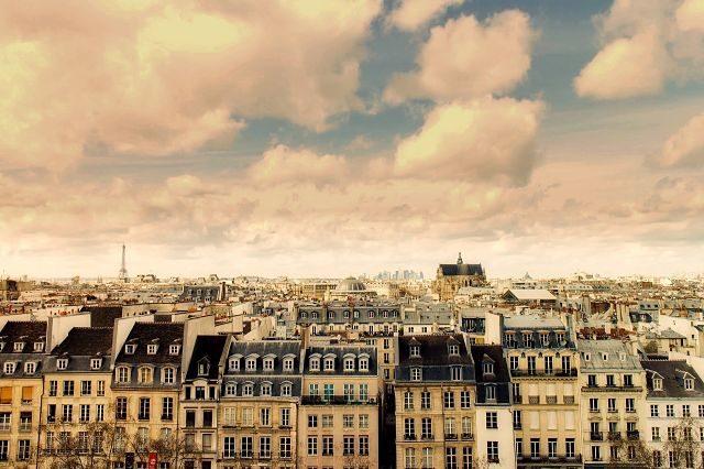 Imagen de los tejados de una gran ciudad
