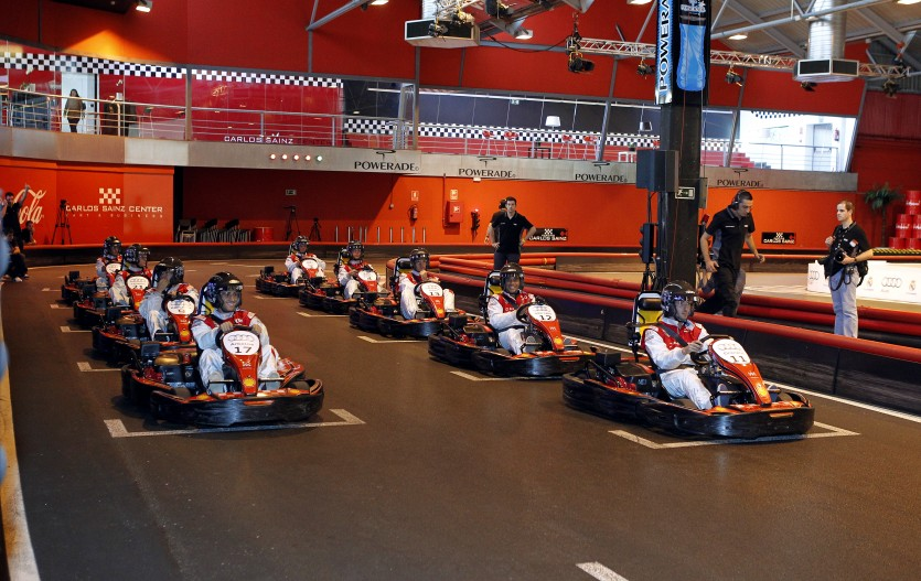 Circuito Karts Madrid : Te apetece retar a tus amigos una carrera de karts