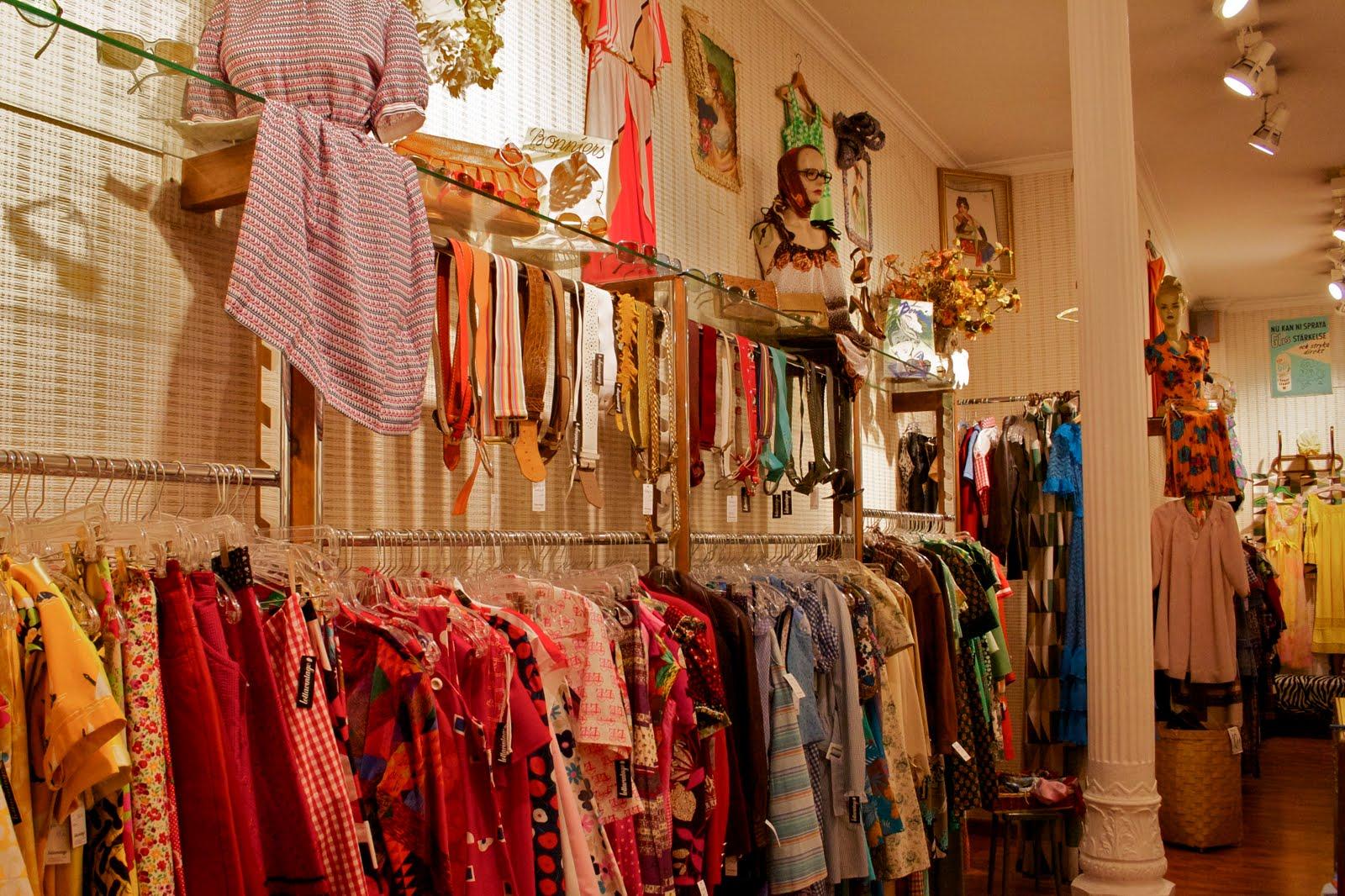 Decoracion Tiendas Vintage. Great Situados En La Calle Verdi Su ...