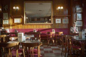 Panorámica del interior del café gijón