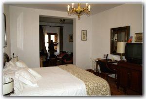 Imagen habitación hospederías monasterio Santa María de El Paular